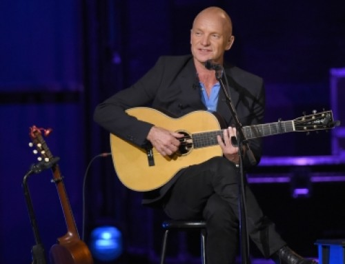 Sting Performs 'Message in a Bottle'